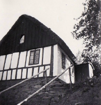 Monstrup - Det lille hus i skoven