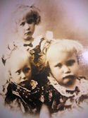 Tommerup - Johanne og tvillingerne - 1923